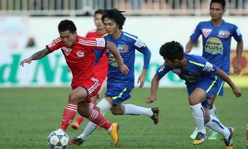 """Bóng đá - Khi Than Quảng Ninh dạy """"lính bầu Đức"""" chơi tấn công"""
