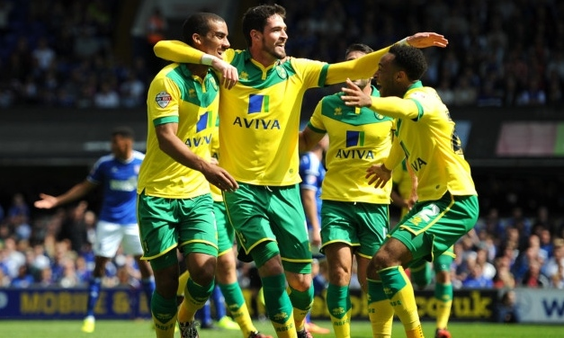 Brentford vs Norwich City: 01h45, ngày 17/09