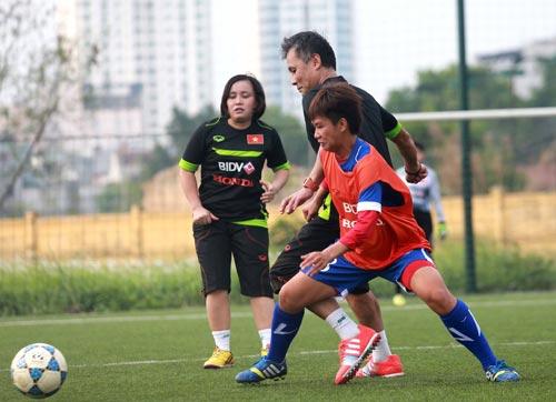 Bóng đá - HLV người Nhật chỉ rõ điểm yếu cầu thủ nữ Việt Nam