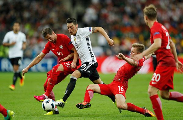 Đức 0 - 0 Ba Lan (Euro 2014-2016, vòng bảng)