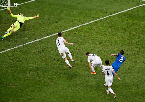 Pháp 2 - 0 Albania (Euro 2014-2016, vòng bảng)