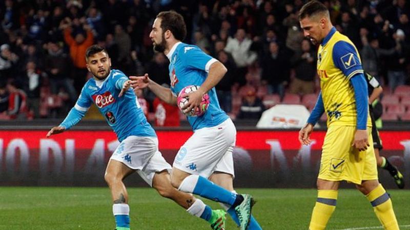Napoli 3 - 1 Chievo (Italia 2015-2016, vòng 28)