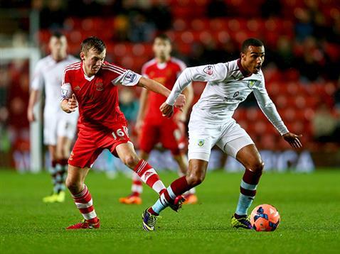 Southampton 2 - 0 Burnley (Ngoại Hạng Anh 2014-2015, vòng )