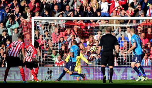 Southampton 1 - 0 Stoke City (Ngoại Hạng Anh 2014-2015, vòng 9)