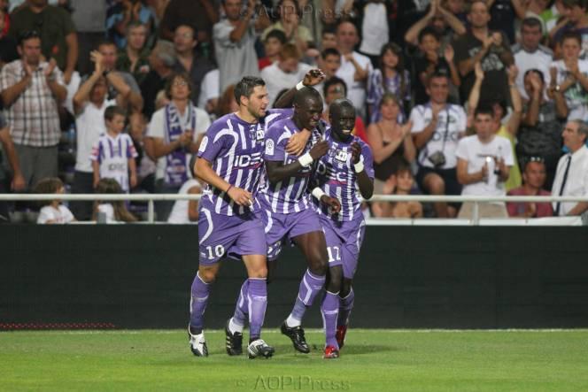 Toulouse 0 - 2 Lens (Pháp 2014-2015, vòng 11)
